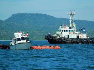 Un feribot s-a scufundat în Marea Java: Peste 50 de persoane au fost salvate
