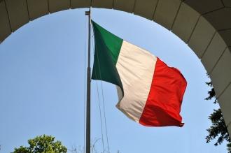 Consulatele din Italia au majorat taxele pentru stranieri