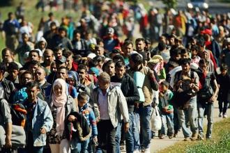 Sute de refugiaţi ar putea tranzita RM în calea spre UE