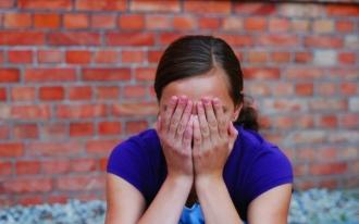 Un bărbat din Telenești și-a violat în repetate rânduri fiica minoră