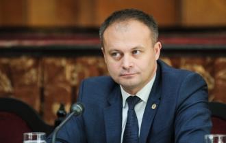 Канду отказывается обращаться в Венецианскую комиссию