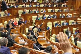 O comisie parlamentară va transpune decizia CC în legislație
