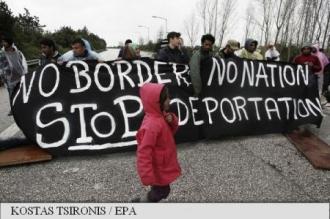 Grecia: Migranții au ridicat baraje rutiere în nordul țării