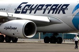 Угонщик самолета EgyptAir отпустил всех пассажиров, кроме членов экипажа и еще четырех человек