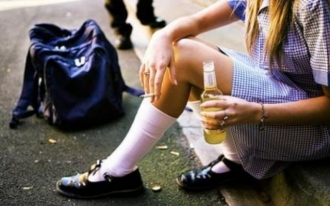 Подростки в Молдове пьют и курят, но считают себя здоровыми