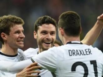 Germania a câştigat în faţa Italiei după 21 de ani. Succes categoric al campioanei mondiale