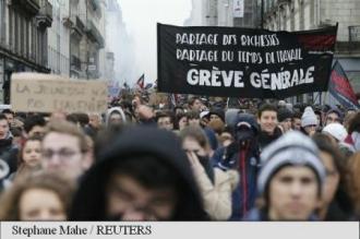 Manifestații în Franța: Violențe în provincie, zece persoane arestate la Paris
