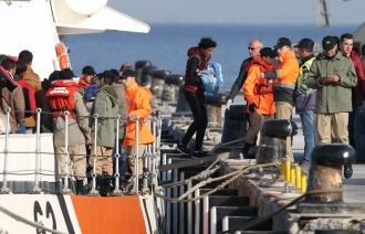 Reuters: второе судно с мигрантами отправилось из Греции в Турцию в рамках соглашения с ЕС