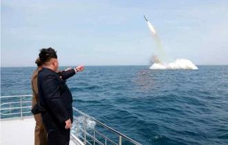 Coreea de Nord pregăteşte lansarea unei rachete balistice care poate atinge Statele Unite -surse CNN